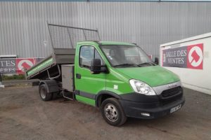 IVECO DAILY 35C13 BENNE COFFRE VERT CA-945-RE
